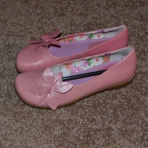 Me Too Pink Leather Flat Flower Loafer NEW Size 6